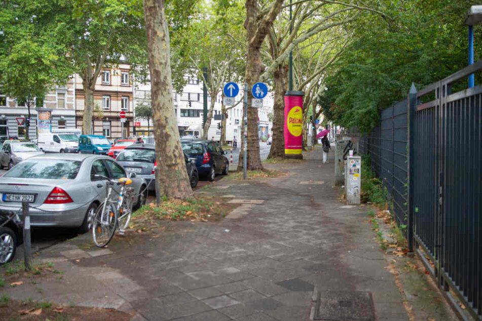 Die Bachstraße in Düsseldorf wurde am Montag zum blutigen Tatort.