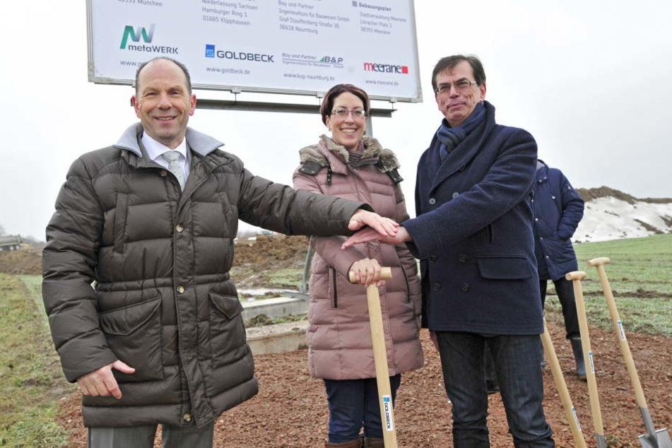 v.l.: Prof. Dr. Lothar Ungerer, Bürgermeister Meerane, Cathleen Frost (39), Geschäftsführerin metaWerke Meerane GmbH und Michael Müller (56), Mitglied des Vorstandes der metaWerke AG.
