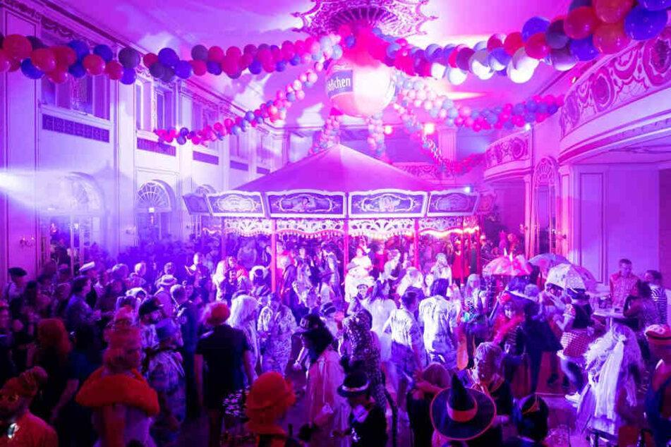 Full House beim Pichmännel-Fasching! 1500 Gäste feiern ausgelassen.