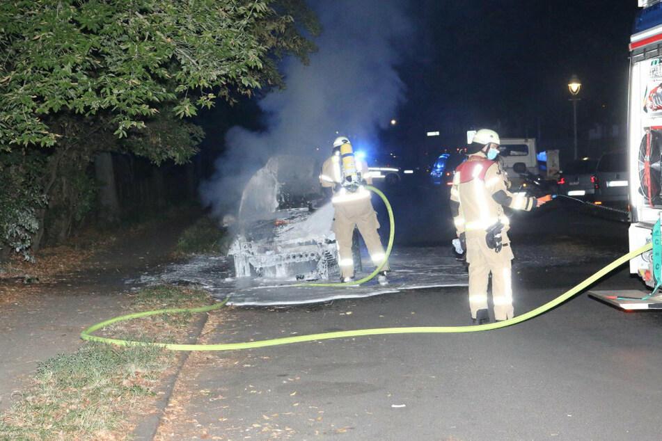 Brandstiftung? Erneut brannte nachts ein Auto in Neukölln