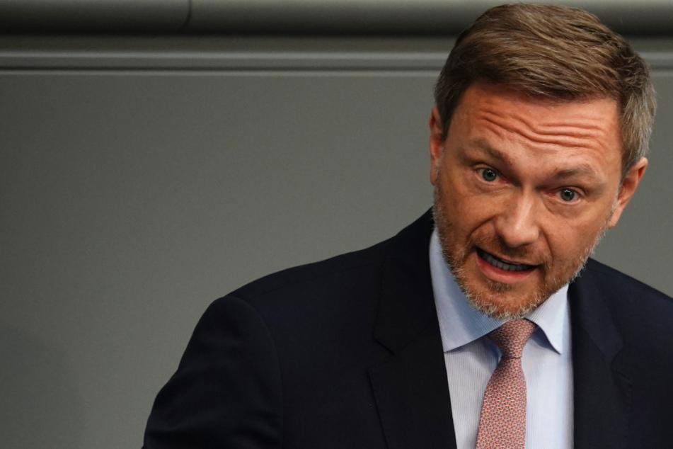 """""""Nicht einmal wirksam"""": FDP-Chef Lindner watscht Pläne der Ausgangs-Beschränkungen ab"""