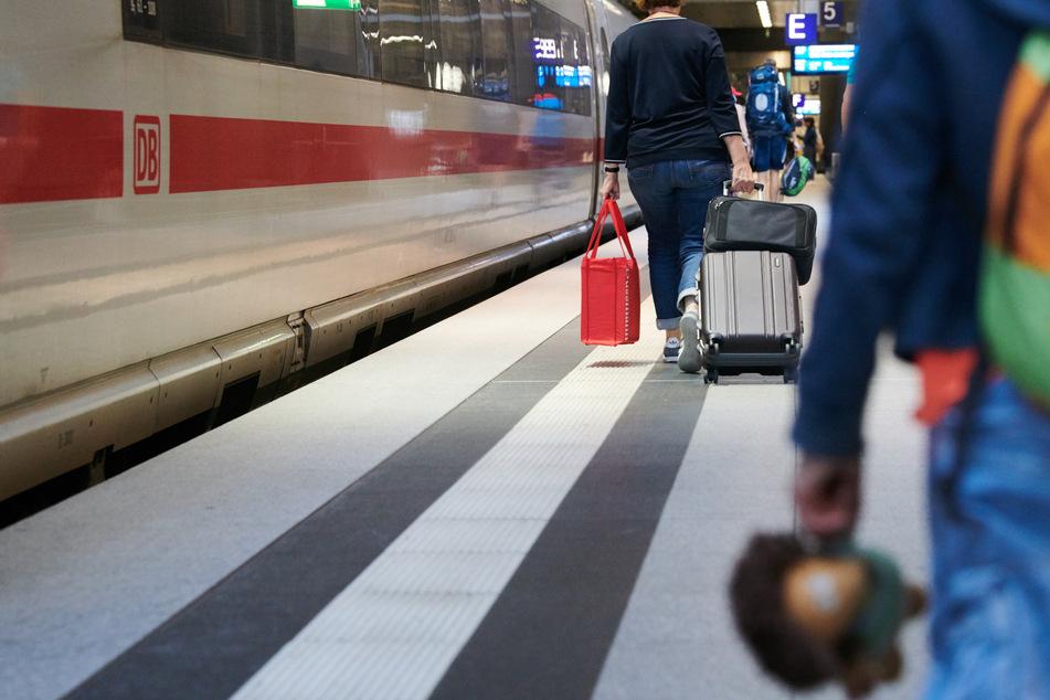 Auf der Bahnstrecke Hamburg-Berlin muss aktuell mit Verspätungen gerechnet werden (Symbolbild).
