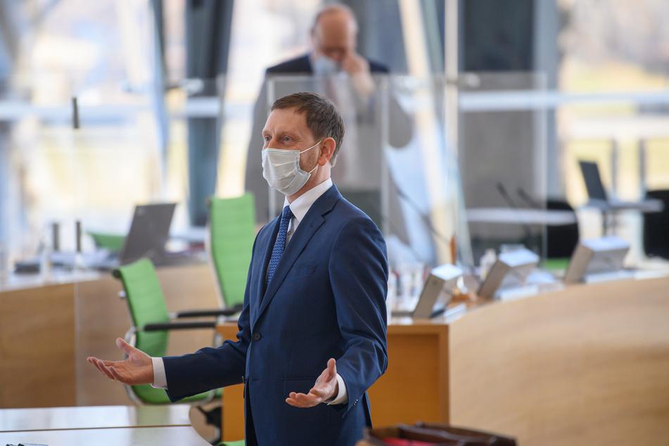 Ministerpräsident Michael Kretschmer (45, CDU) bei der Sondersitzung im sächsischen Landtag.