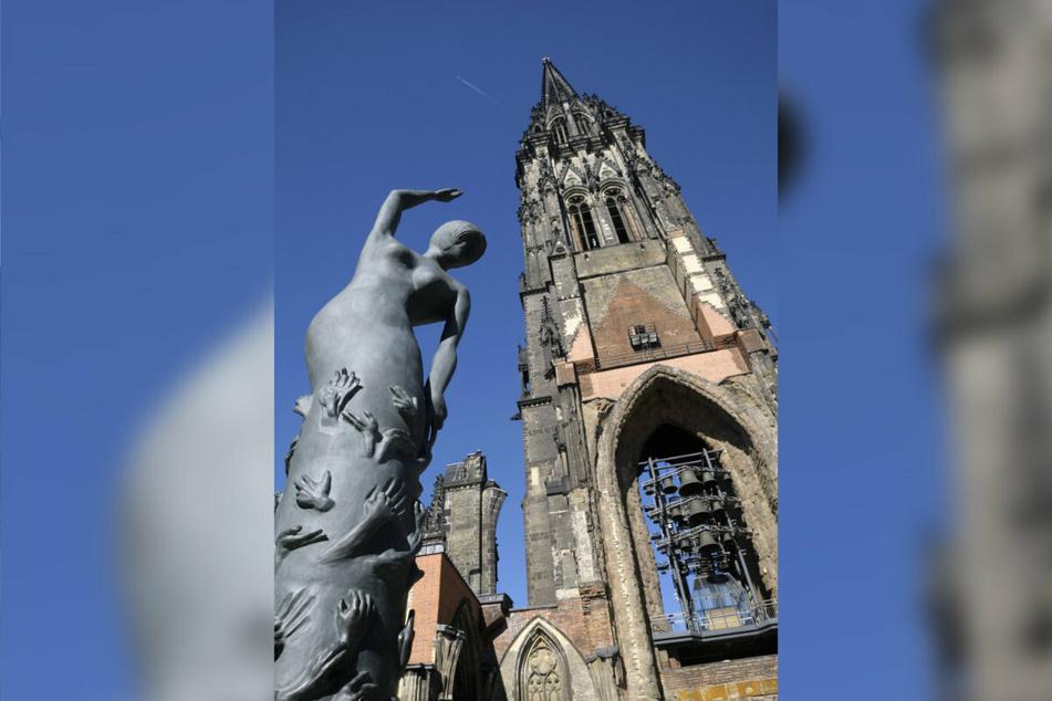 Der Turm der Nikolaikirche in Hamburg ist der fünfthöchste der Welt.