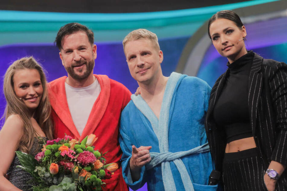 Oliver Pocher (2.v.r), Moderator, seine Frau Amira (r) sowie Michael Wendler (2.v.l), Sänger, und seine Freundin Laura Müller.