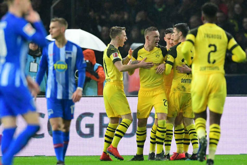 Dortmund feiert das zwischenzeitliche 1:1.