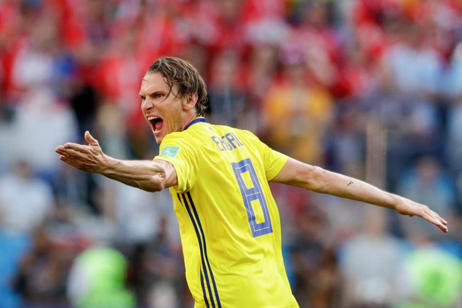 Ekdal weilt derzeit mit der schwedischen Nationalmannschaft bei der WM in Russland.