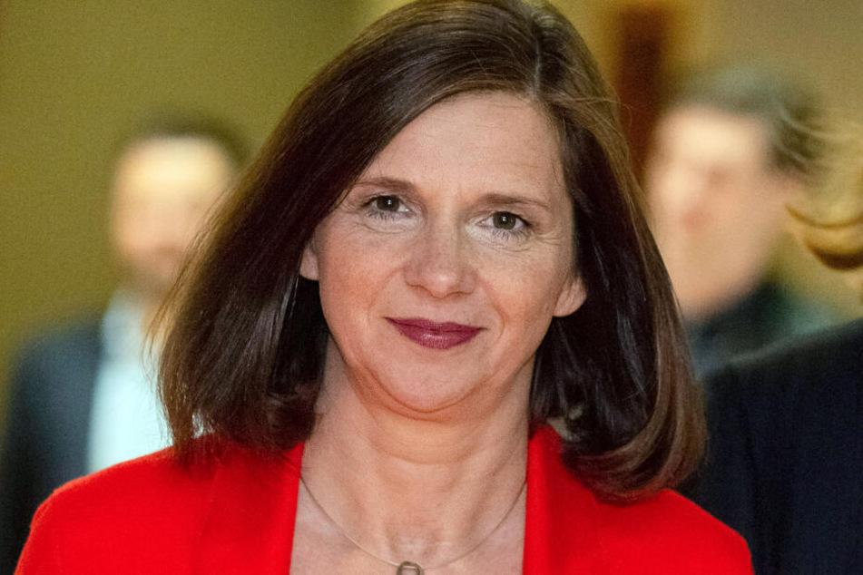 Katrin Göring-Eckardt will die Vernichtungsstrategie der Online-Versandhändler behandeln.