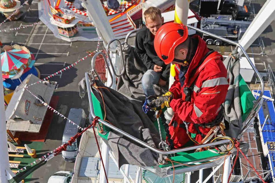 Vorm Start des Herbstvolksfestes: Rettungseinsatz in 30 Metern Höhe