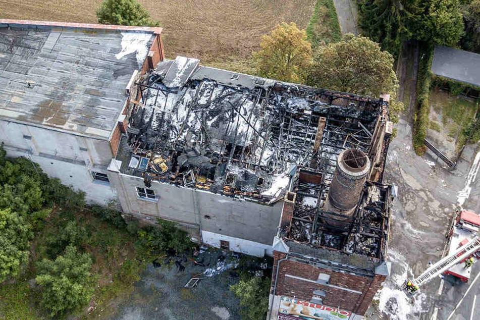 Großbrand im Vogtland: Dachstuhl einer ehemaligen Brauerei abgefackelt