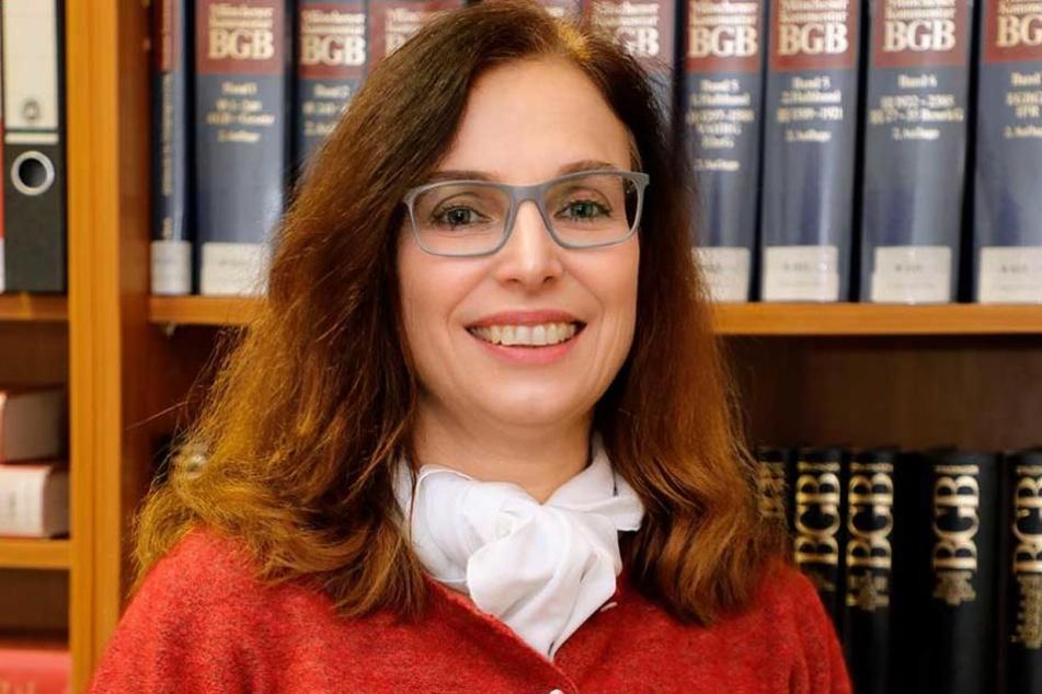 Landgerichts-Sprecherin Marika Lang (53) ist selber Richterin, kennt die Belastung der Juristen.