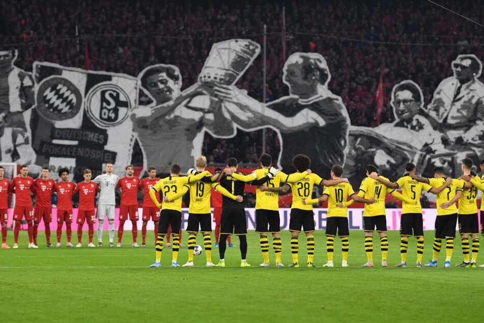 Zehn Jahre nach dem Tod des ehemaligen Nationaltorhüters Robert Enke. Auf großer Bühne setzen der FC Bayern München und Borussia Dortmund ein Zeichen und halten eine Gedenkminute vor dem Topspiel am Samstagabend.