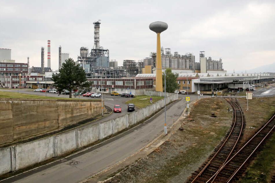 Brand und Explosion in tschechischer Chemiefabrik