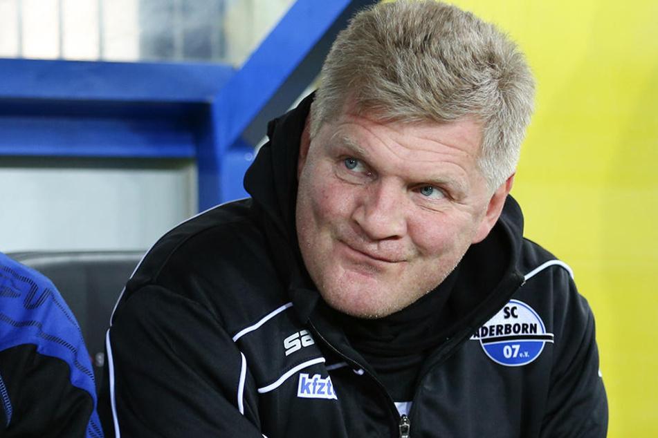 Nach dem Debakel beim SC Paderborn will Stefan Effenberg wieder als Trainer arbeiten.