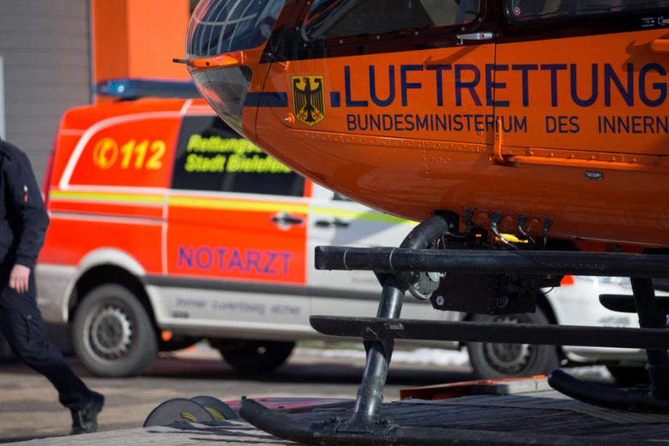 Ein Rettungshubschrauber musste den Mann ins Krankenhaus bringen. (Symbolbild)