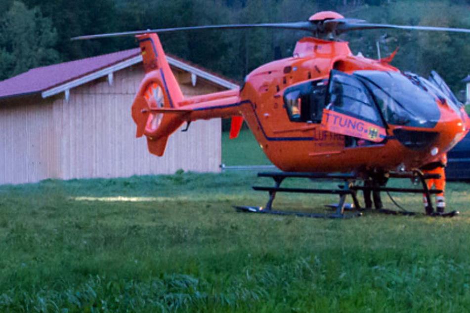 Ein Rettungshubschrauber musste das kleine Mädchen in eine Klinik fliegen. (Archivbild)
