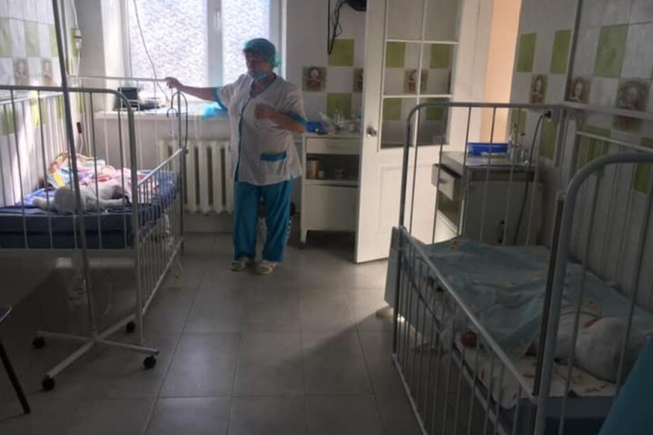 Ärzte kämpfen immer noch um das Leben des Kindes.