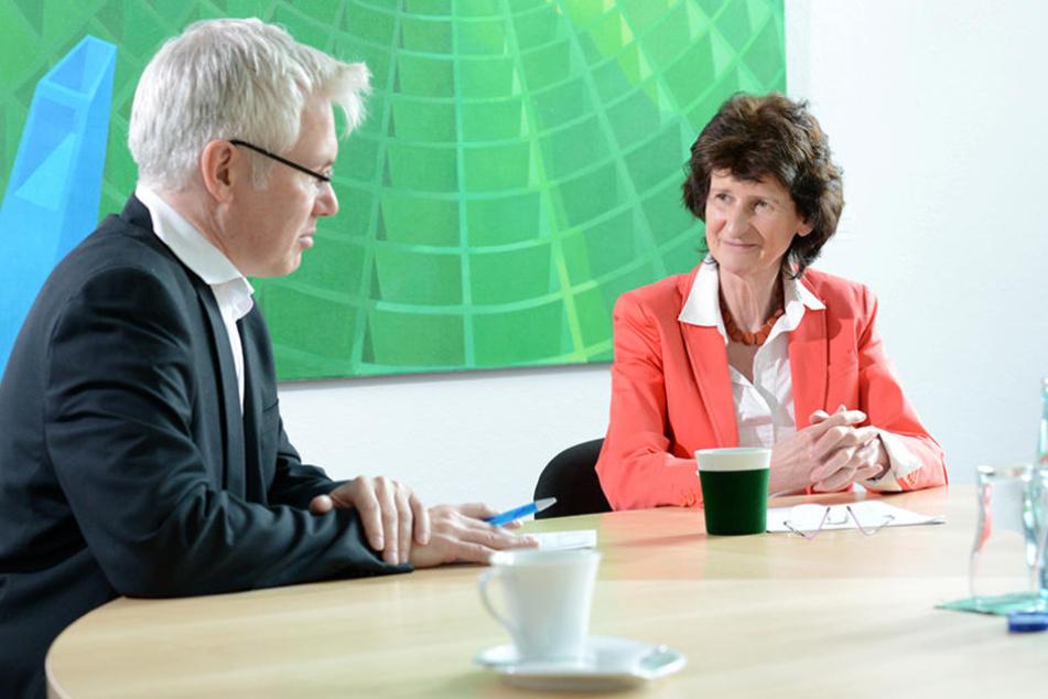 Torsten Hilscher (49) im Gespräch mit Wissenschaftsministerin Eva-Maria Stange (60, SPD).