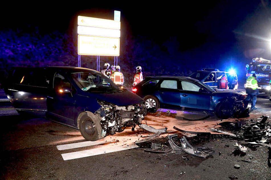 5 Autos waren in einen Unfall nahe der Autobahn 17 verwickelt.