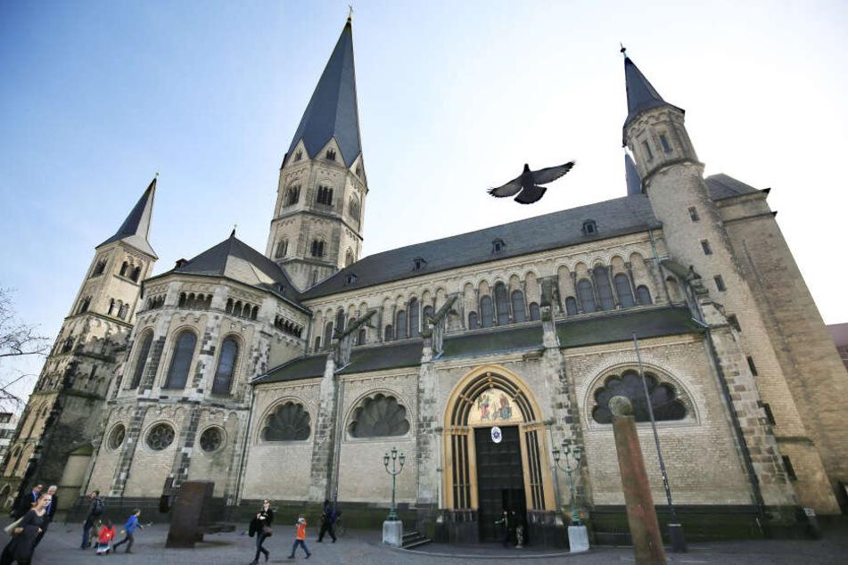 Das Bonner Münster ist Zentrum des Finanzskandals.