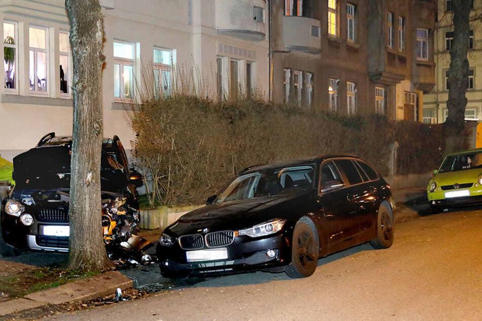 Der Skoda rammte mehrere Autos.