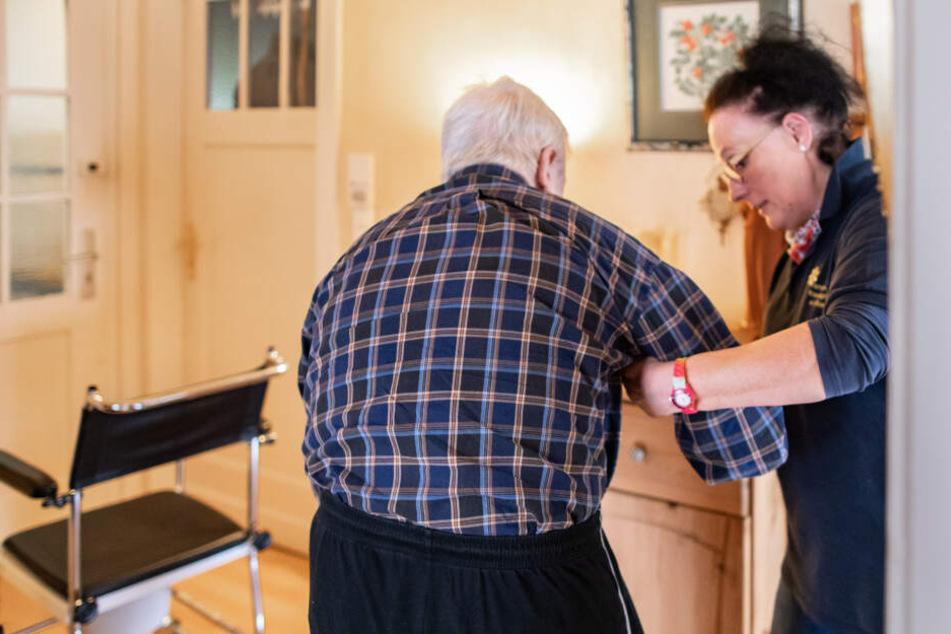 Der Job der Pflegefachkraft braucht Herz und Wissen.