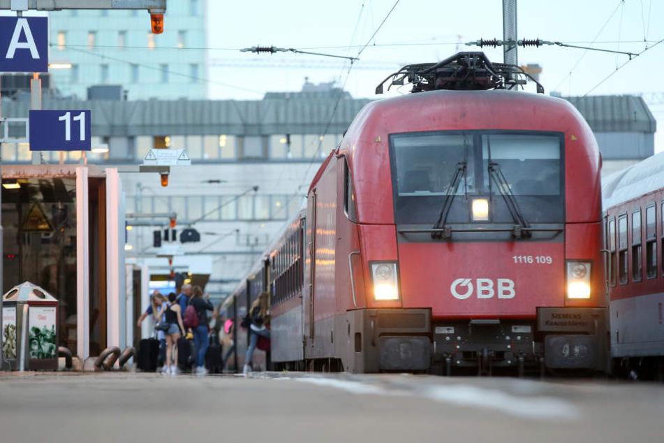 Umleitungen und Ausfälle: Wegen Bauarbeiten wird die Strecke Richtung Salzburg gesperrt.