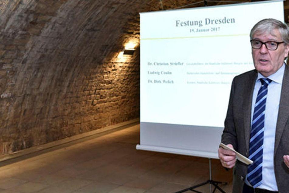 Kurator Dirk Welich (50) will den Festungsbesuch zu einem Erlebnis machen,  wie er sagt.