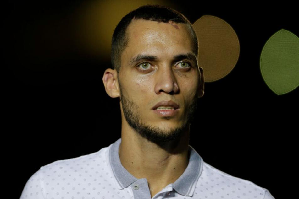 Der Brasilianer Neto, ein ehemaliger Fußballspieler von Chapecoense, der den tödlichen Flugzeugabsturz der Mannschaften im Jahr 2016 überlebte, gab seinen Rücktritt vom Sport bekannt.