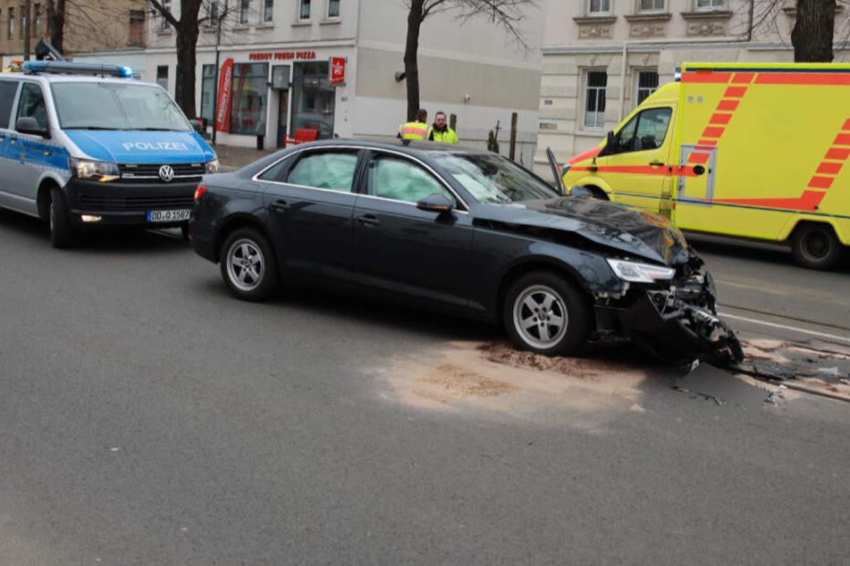Ein Opel prallte im Gegenverkehr gegen diesen Audi A4.