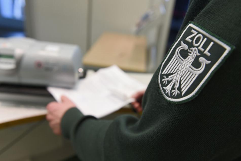 Derzeit sind etwa 150 Zöllner am Flughafen Leipzig/ Halle (Saale) tätig. (Symbolbild)