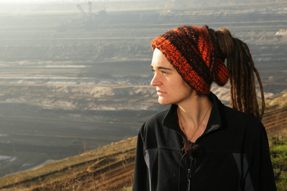Klimaaktivistin Carola Rackete hat am Sonntag den Braunkohletagebau Garzweiler besucht.