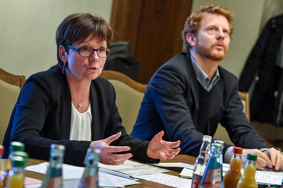 Jugendamtsleiterin Gunda Georgi (53) und Baubürgermeister Michael Stötzer (45, Grüne) geben Gas. Bis 2020 sollen zehn neue Kitas gebaut werden.