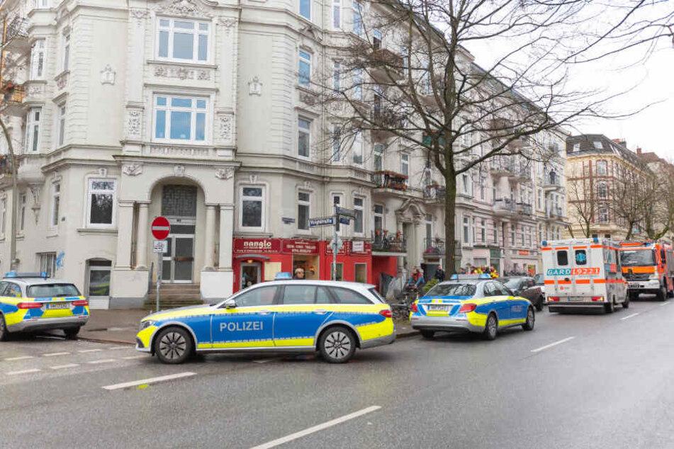 Die Polizei rückte mit mehreren Streifenwagen am Einsatzort an.