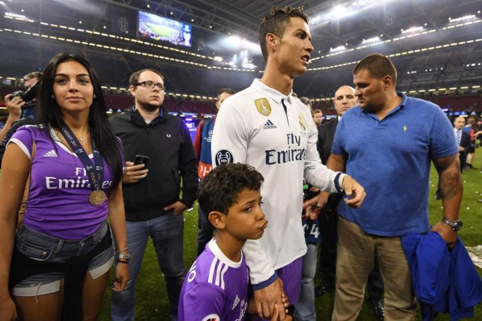 Die Freundin von Ronaldo, Georgina Rodriguez, ist nicht die Mutter seiner Zwillinge.