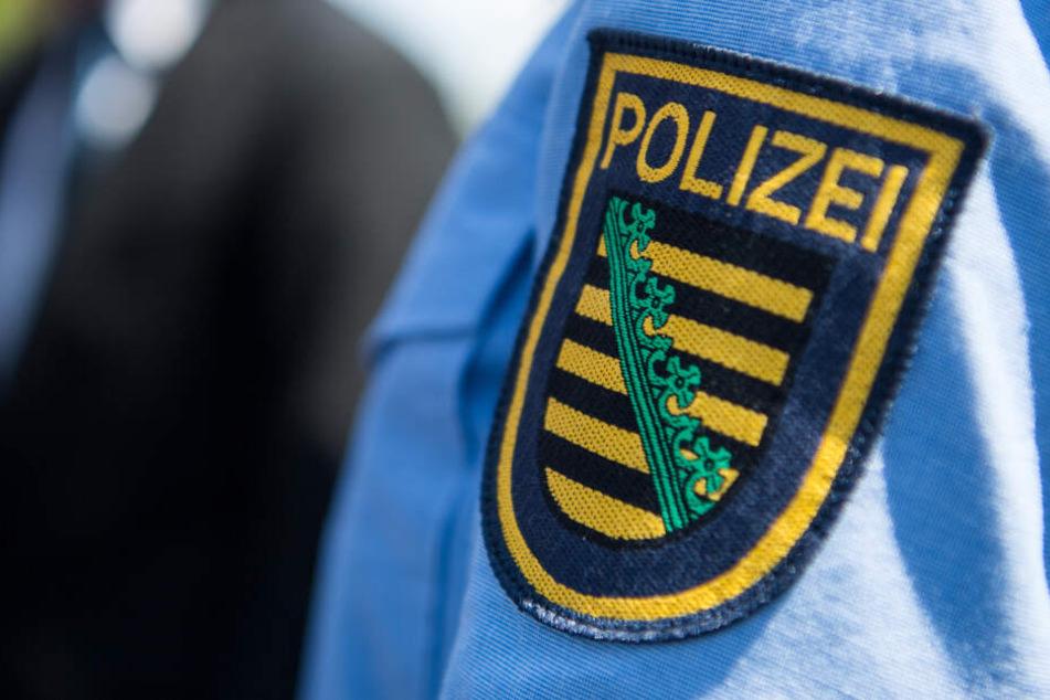 Die Polizei hat die Ermittlungen aufgenommen und sucht Zeugen.