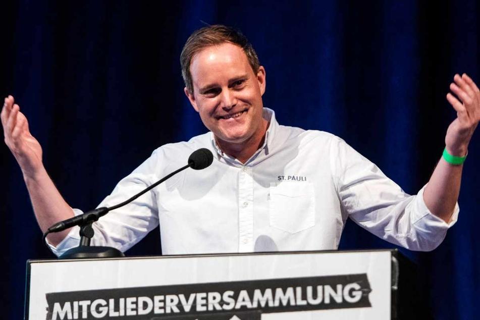 Präsident Oke Göttlich (45) sprach auf der Mitgliederversammlung. (Archivbild)