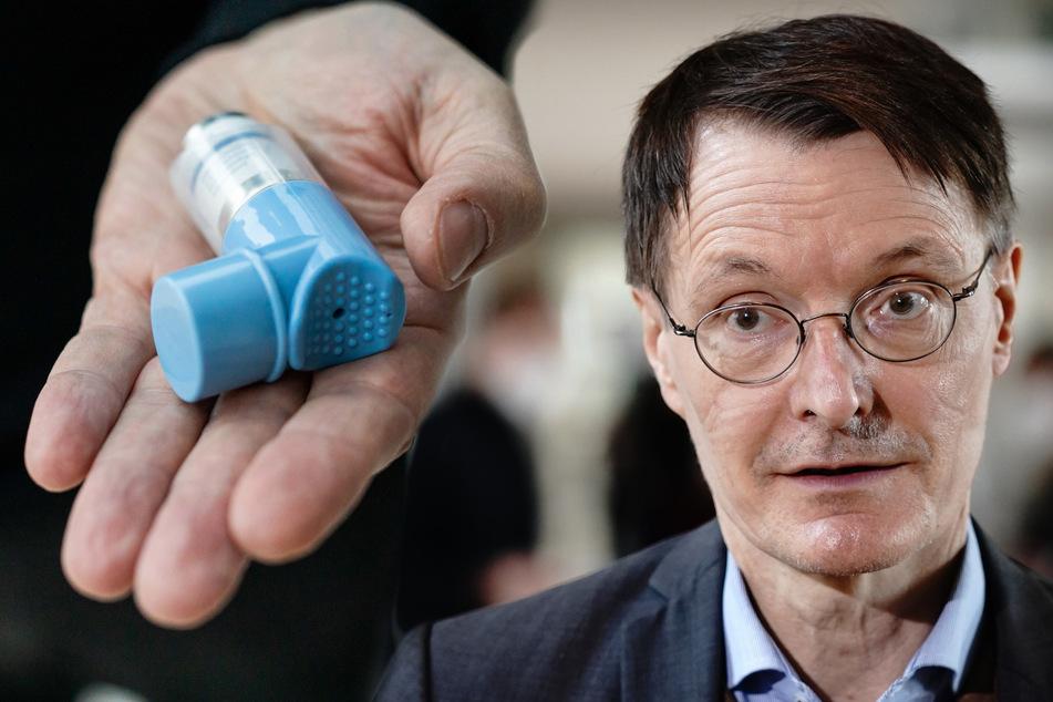 """Lauterbach spricht von """"Game Changer""""! Kann Asthma-Spray Covid-19-Infektion bedeutsam abmildern?"""