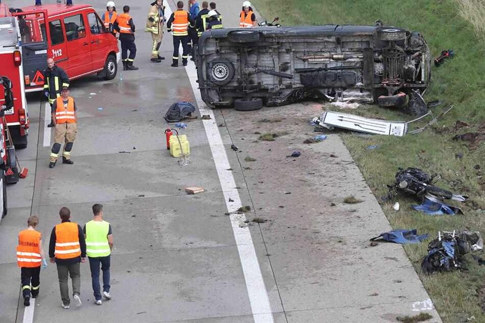 Nach Horror-Unfall mit vier Toten auf A9: Ermittlungen laufen!