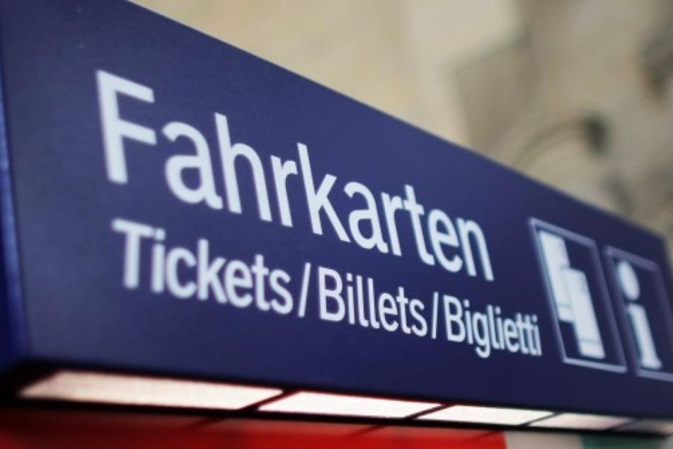 In Dortmunder Bahnhof: Mann sprengt Fahrkartenautomat - Explosion tötet ihn
