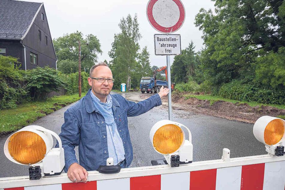 Vosi-Stadtrat Andreas Wolf-Kather (41) wirbt für die Wiederaufstellung des  Bärenbrunnens.