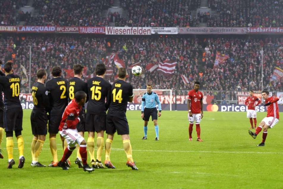 Der Pole war der Matchwinner gegen den letztmaligen Halbfinal-Bezwinger Atlético Madrid vor 70.000 Zuschauern.