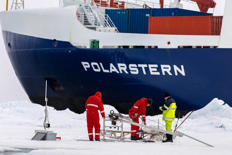Welche Rolle spielen Wolken bei der dramatischen Eisschmelze in der Arktis? Dieser Frage wollen die Leipziger Forscher auf ihrer Expedition nachgehen.