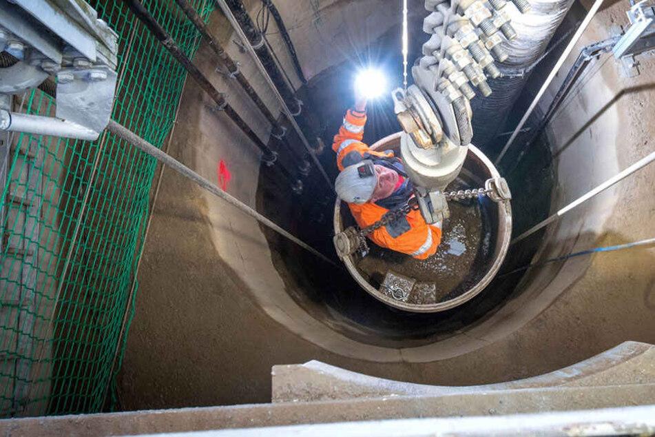 Im 170 Meter tiefen Erkundungsschacht in Pöhla stießen die Bergleute jetzt auf Wolframerz.
