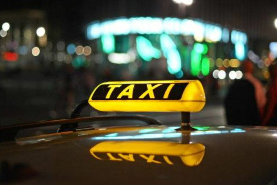 Laut SGB II gibt es verschiedene Möglichkeiten zur Unterstützung: Führerschein, ein E-Bike, aber auch Taxifahrten.
