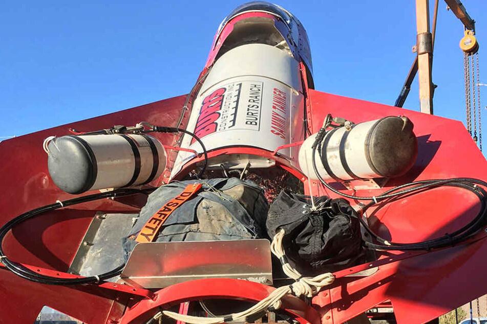 Die Rakete hat der 61-Jährige aus Altteilen zusammengebaut, sie soll mit Dampf getrieben werden und ihn auf eine Höhe von bis zu 600 Metern steigen lassen.