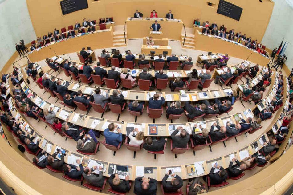 CSU und Freie Wähler haben eine neue Sitzordnung im bayerischen Landtag durchgesetzt.