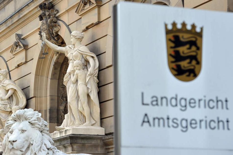 Zwei Jahre nach dem Mord wird das Urteil im Ulmer Landgericht gefällt. (Symbolbild)