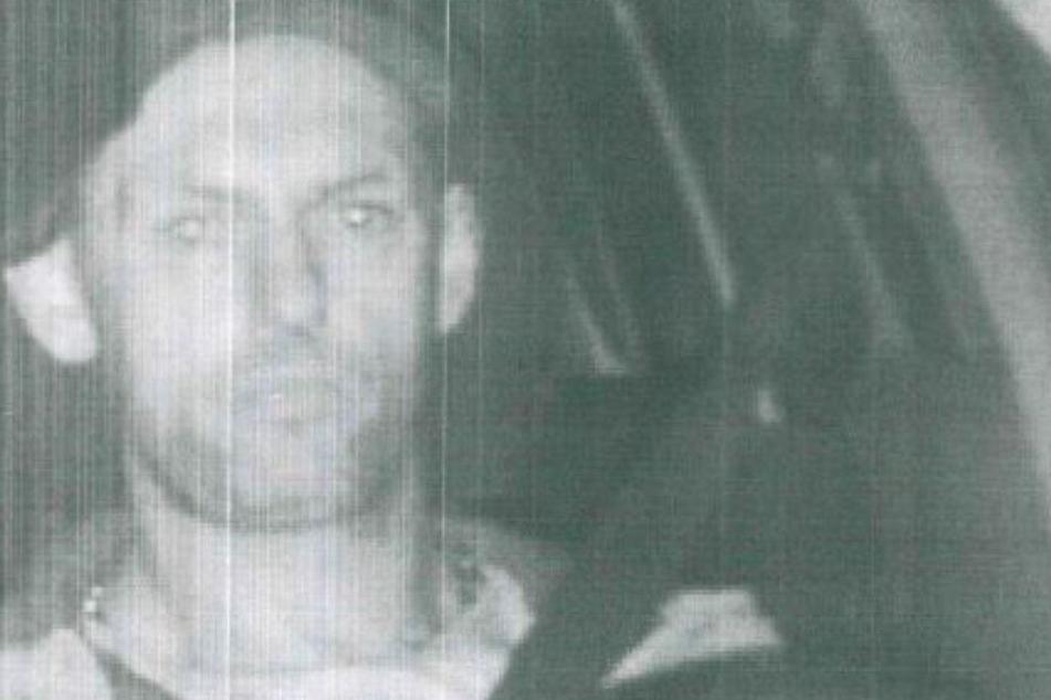 Der Mann geriet zweimal in die Fotofalle.