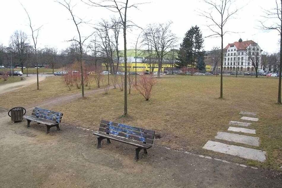 Die Stadt baut am Schlossteich für fünf Millionen Euro Euro eine neue Kita, Anwohner befürchten mehr Lärm.
